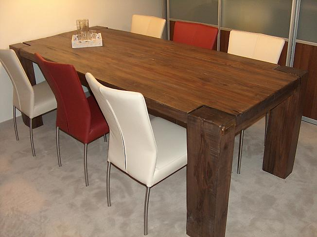 Massief grenen tafel met notenbeits